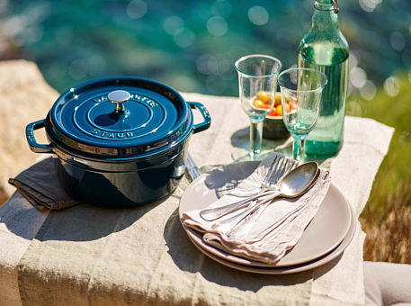 Staub kitchen articles from emailled cast iron, as sample cocotte La Mer
